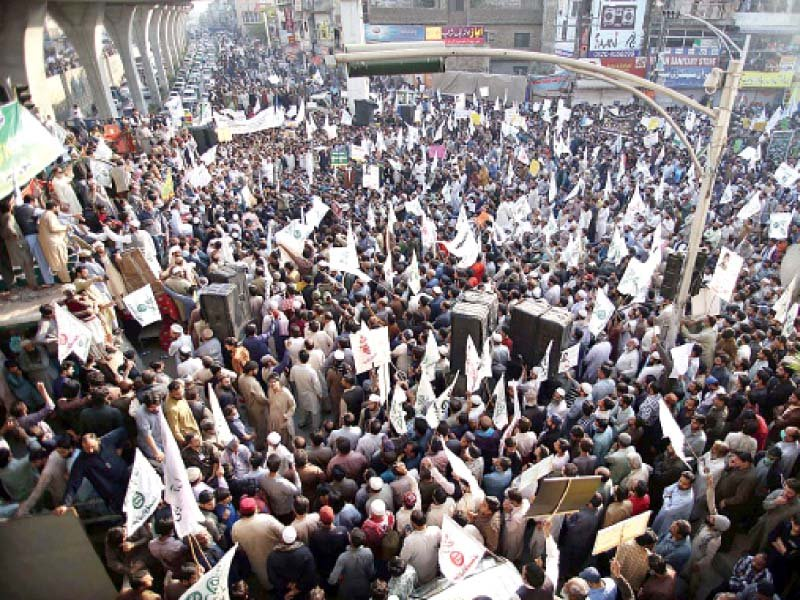 Traders lambast 10 day suspension of businesses