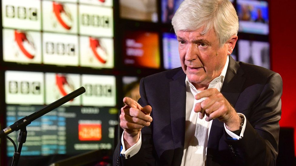 Ex-BBC boss Tony Hall 'sorry for hurt' to royals over Martin Bashir scandal