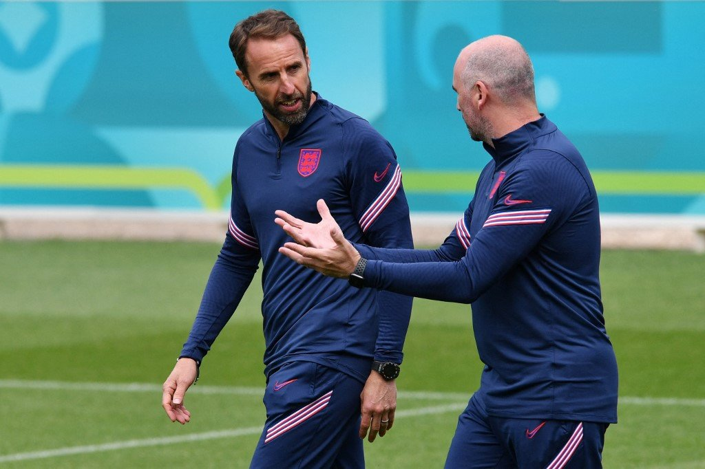 Southgate expects England to survive growing pains