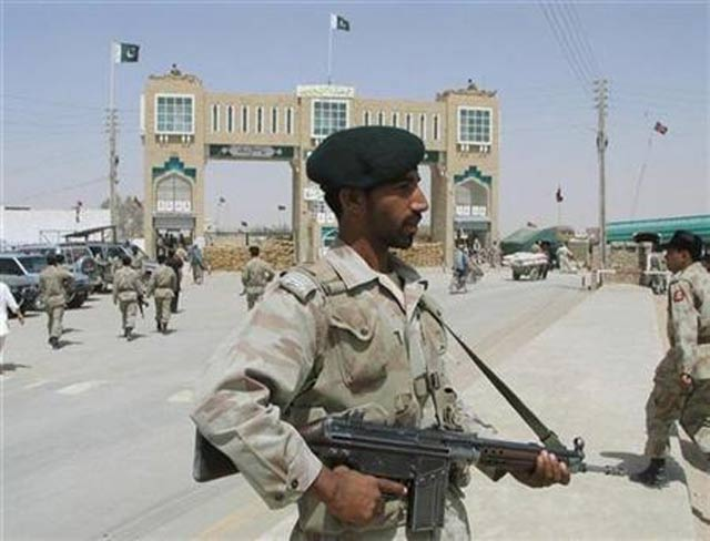 Chaman border opens for a few hours