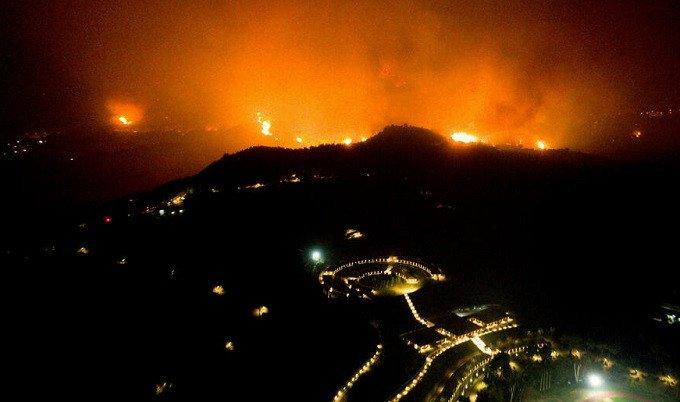 Turkey and Greece reel from raging wildfires during heatwave