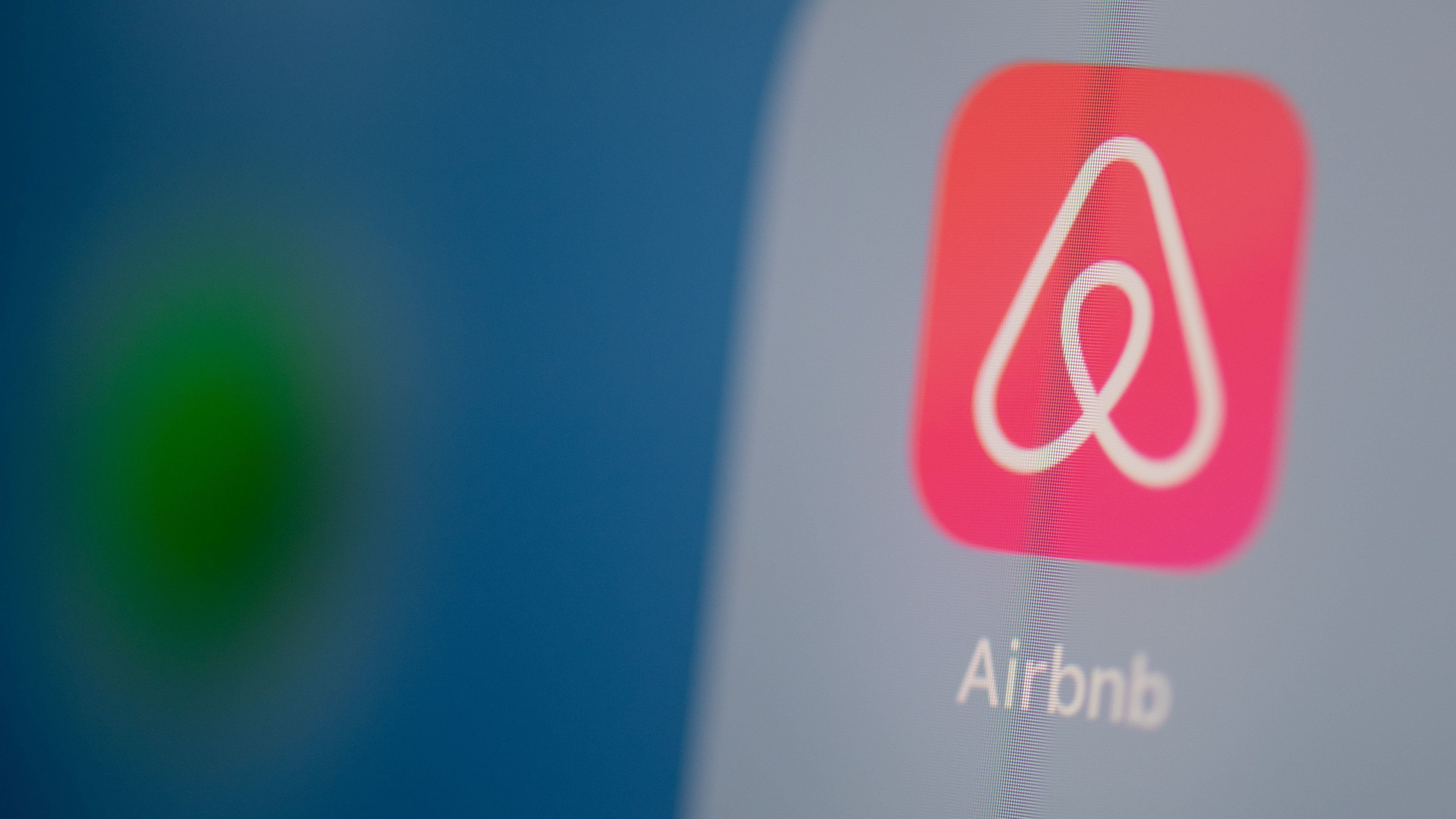 Airbnb offers temporary free accommodation to Afghan refugees