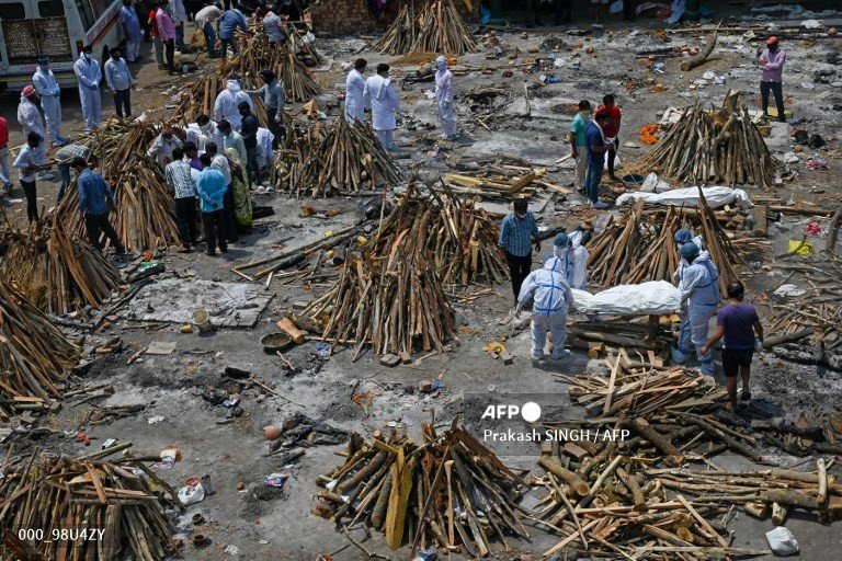 Bodies pile up as Covid overwhelms India