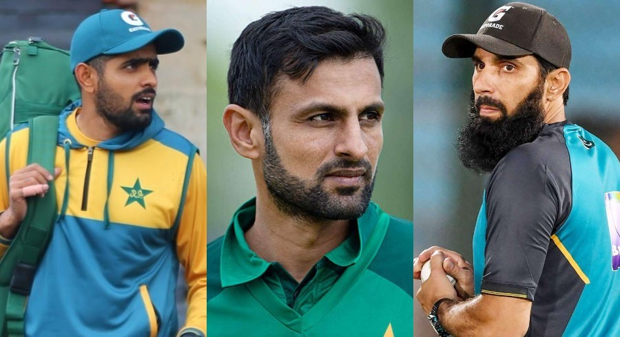 Malik hits out at  unacquainted decision makers  after Zimbabwe upset Pakistan