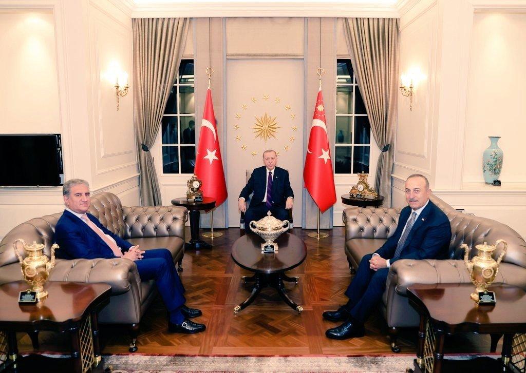 President Erdogan applauds Pakistan's unflinching support for Palestinians