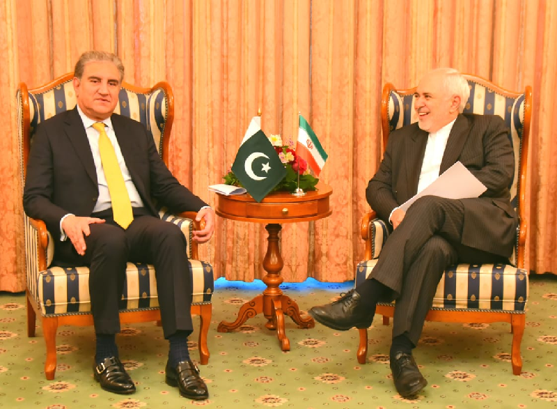 Qureshi holds delegation level talks with Iran s Zarif